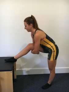 hamstring stretch for rowing injury