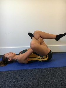 glute stretch for rowing injury